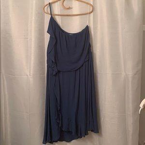Eyeshadow blue pho-wrap with ruffle dress